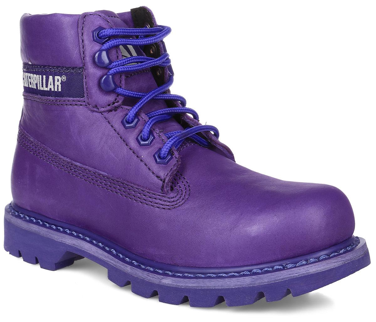 P308860Стильные женские ботинки Colorado от Caterpillar отличный вариант на каждый день. Модель выполнена из высококачественно натуральной кожи. Подкладка изготовлена из нейлона. Утеплитель Thinsulate сохранит ваши ноги в тепле. Шнуровка надежно фиксирует модель на ноге. Стельки из EVA материала обеспечивают комфортное положение стопы и амортизацию. Резиновая подошва с агрессивным протектором обеспечивает хорошее сцепление с поверхностью. Прошивка подошвы позволит продлить срок службы модели.