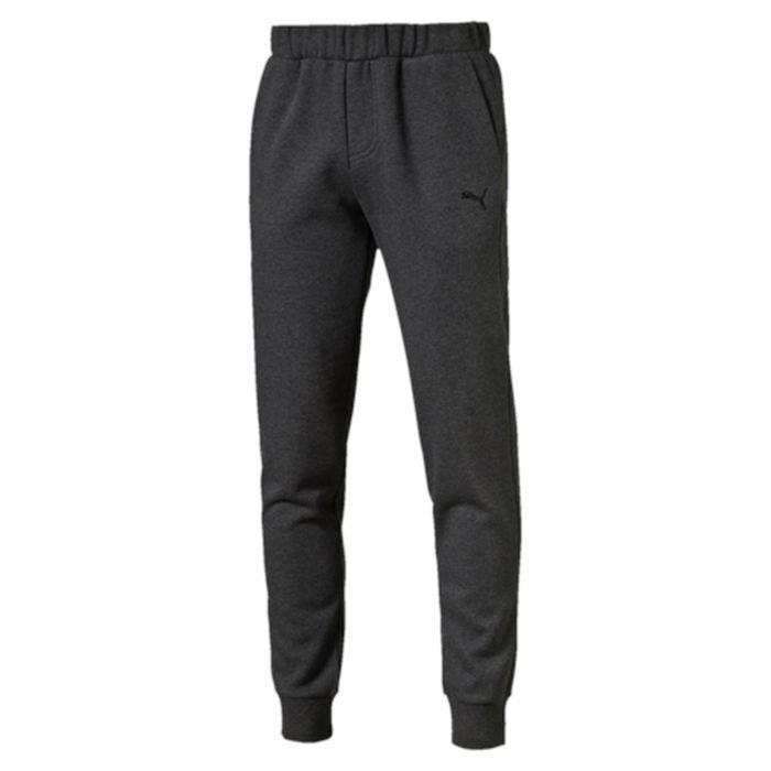 Брюки спортивные838378_07Спортивные брюки Puma ESS Sweat Pants, FL, cl. выполнены из плотного трикотажа с мягким внутренним слоем. Среди других отличительных особенностей изделия - пояс из его основного материала с продернутым в нем затягивающимся шнуром. Удобные карманы в швах, манжеты внизу штанин из трикотажа в рубчик, а также нашитая сверху задняя кокетка для лучшей посадки по фигуре. Модель декорирована вышитым логотипом PUMA.