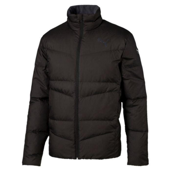 Куртка838641_01Куртка Puma выполнена из стеганного текстиля. Модель декорирована логотипом PUMA, нанесенным методом глянцевой печати, а также силиконовой эмблемой PUMA. Среди других отличительных особенностей модели – воротник с подкладкой из флиса, надежно закрывающий спереди шею и подбородок и ветрозащитным клапаном, боковые карманы на молнии в швах с односторонней подкладкой из флиса, отделка изнутри эластичным материалом манжет и подола, петля для вешалки, внутренний карман для электронных устройств с клапаном, висячий ярлык с указанием состава наполнителя.
