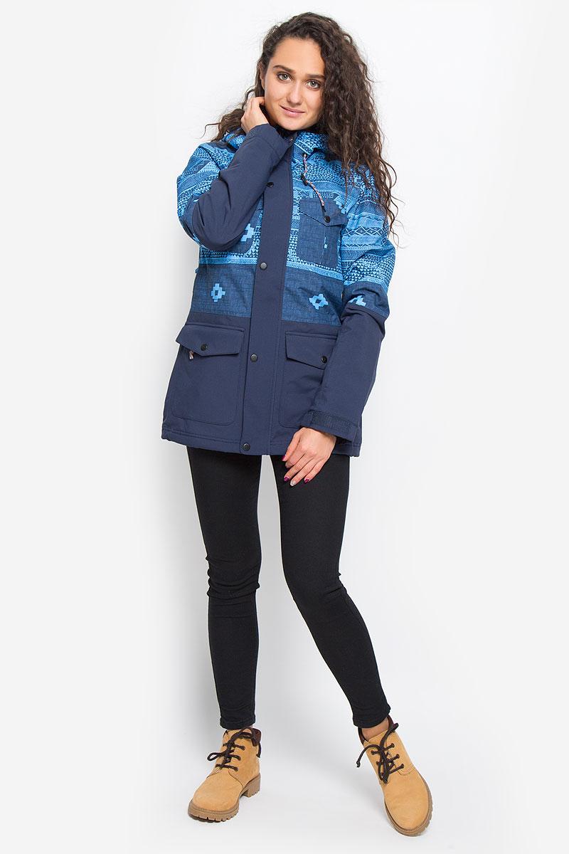 Куртка655026-5900Женская куртка для сноуборда ONeill Pw Cluster Jacket выполнена из полиэстера с подкладкой из синтепона. Модель с длинными рукавами и несъемным капюшоном застегивается на застежку-молнию спереди и имеет ветрозащитный клапан на кнопках. Изделие имеет спереди четыре накладных кармана с клапанами на кнопках, внутренним втачным карманом на молнии и накладным карманом-сеткой. Рукава дополнены хлястиками на липучках, которые позволяют регулировать обхват манжет. По бокам куртки, от линии талии до середины рукавов, расположены вентиляционные отверстия с сетчатыми вставками, закрывающиеся на застежки-молнии. Куртка оснащена противоснежной вставкой на кнопках. Объем капюшона регулируется при помощи шнурка-кулиски. По низу куртка также дополнена шнурком-кулиской. Оформлена куртка оригинальным абстрактным принтом. Водонепроницаемость: 10 000 мм. Паронепроницаемость: 10 000 гр/м/24ч.