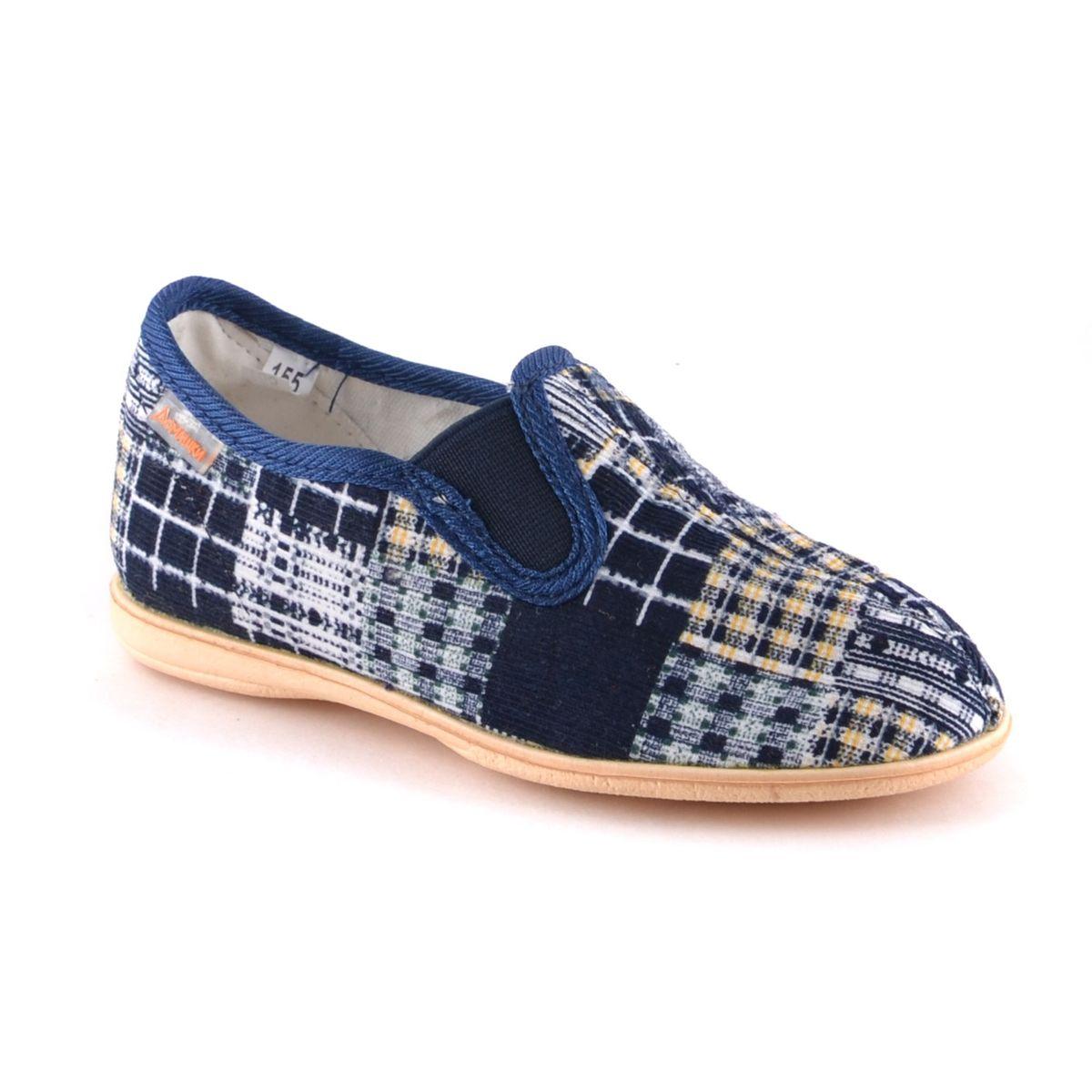299-2в2Лёгкие домашние туфли. Для верха обуви использован вельвет,подкладка и стелька- байка, подошва-ЭВА. Главная отличительная особенность - усиленный задник, который препятствует вертикальной деформации и вылеганию задней части верха в процессе носки.