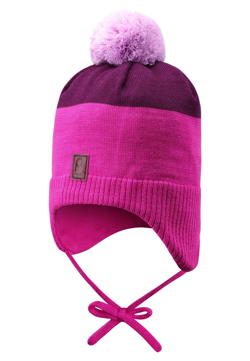 518368-4620Эта забавная и яркая шапочка-бини для малышей и детей постарше отлично подойдет для активных маленьких рыцарей и принцесс! Шапка связана из смеси теплой шерсти и имеет пушистую подкладку с начёсом, поэтому ее приятно носить. Ветронепроницаемые вставки в области ушей защитят от холодного зимнего ветра, поэтому маленькие ушки не замерзнут, когда ребенок будет играть на улице. Симпатичный помпон завершает образ!