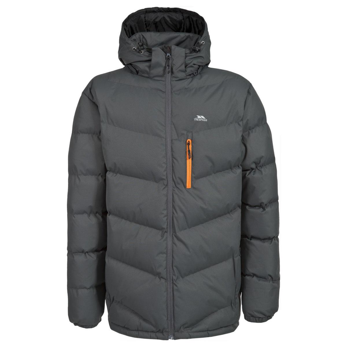 MAJKCAK20004Великолепная теплая куртка для русской зимы в спортивном стиле. Утеплитель ColdHeat 360 г/м2 (синтетический, микроволоконный с функцией быстрого отвода влаги и высоким уровнем теплозащиты и износостойкости). Каждый простроченный шов от иглы оставляет сотни отверстий, через которые влага может проникать внутрь куртки. Применение технологии Taped Seams - обработка швов термо-пластичесткой лентой под высоким давлением - запечатывает швы, тем самым препятствуя проникновению влаги внутрь куртки, дополнительно обеспечивая Вашему телу сухость и комфорт. Материал верха защищает от влаги (влагозащита - 5 000мм) и имеет дополнительное усиление от разрыва. Утепленный регулируемый капюшон. Прекрасно подойдет как для города, так и для отдыха на природе.