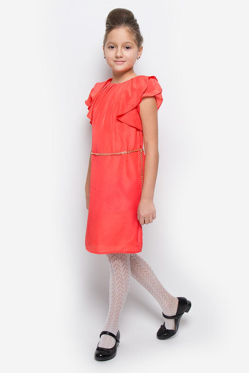 SSP1611-4Яркое платье для девочки Nota Bene идеально подойдет юной моднице. Оно изготовлено из гладкой тонкой ткани, приятное на ощупь, не стесняет движений и хорошо вентилируется. Подкладка изделия выполнена из натурального хлопка. Платье с круглым вырезом горловины и короткими рукавами-крылышками застегивается по спинке на пуговицу. Линию талии подчеркивает красивый ремешок в виде цепочки на шлевках. Стильное платье подойдет для праздничных мероприятий. В нем ваша принцесса всегда будет в центре внимания!
