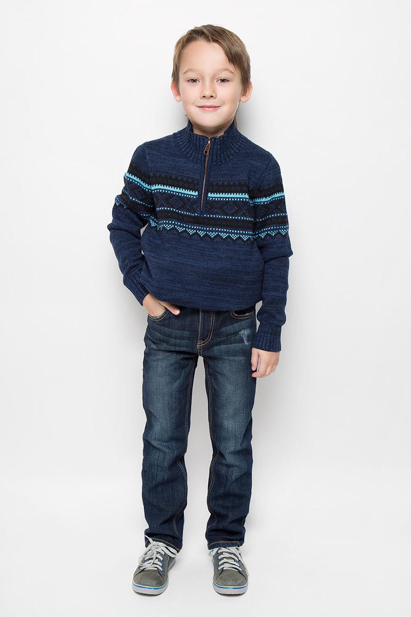 Джинсы361115Стильные джинсы для мальчика PlayToday изготовлены из хлопка, вискозы, полиэстера и эластана. Внутри джинсы утеплены уютным флисом. Модель прямого кроя застегивается на молнию и пуговицу. На поясе предусмотрены шлевки для ремня. Регулировка в поясе на эластичной тесьме с пуговицами обеспечит идеальную посадку по фигуре. Спереди расположены два втачных кармана и один накладной, сзади - два накладных кармана. Джинсы оформлены потертостями и перманентными складками.