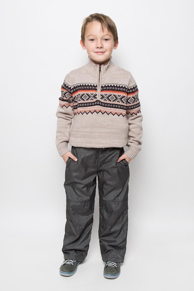 206301Утепленные брюки для мальчика Sweet Berry выполнены из непромокаемого материала на теплой флисовой подкладке. Модель прямого кроя имеет широкий пояс, который дополнительно регулируется шнурком. Спереди расположены два втачных кармана. Низ брючин дополнен эластичными шнурками со стопперами.