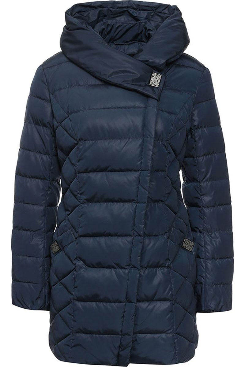 КурткаW16-11029_101Стильная женская куртка Finn Flare изготовлена из высококачественного полиэстера. В качестве утеплителя используется полиэстер. Куртка с несъемным капюшоном застегивается на ассиметричную застежку-молнию и на кнопку. Спереди расположены два прорезных кармана на кнопках. Манжеты рукавов присборены на резинку.