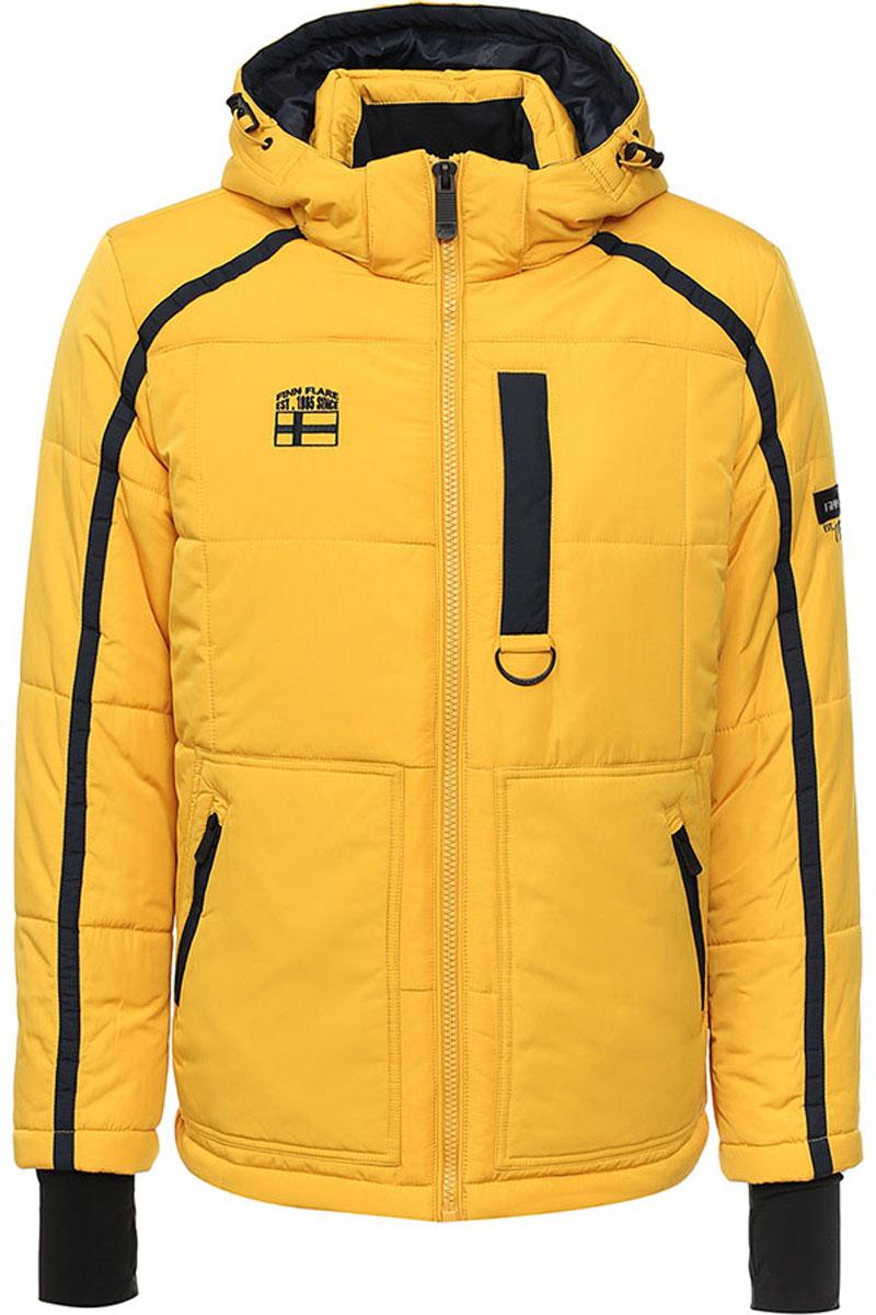 КурткаW16-22013_406Стильная мужская куртка Finn Flare превосходно подойдет для прохладных дней. Куртка выполнена из высококачественного материала с подкладкой и утеплителем из полиэстера. Модель с длинными рукавами и съемным капюшоном застегивается на застежку-молнию. Капюшон на стопперах, а макушка дополнена утягивающим хлястиком. Спереди изделие дополнено двумя карманами на застежке-молнии, на груди один прорезной карман на молнии. На внутренней стороне куртка оформлена одним прорезным карманом на молнии и двумя накладными карманами на липучке и пуговице. Рукава модели дополнены эластичными манжетами, с отверстием для большого пальца. Оформлена модель на груди вышивкой с названием бренда.