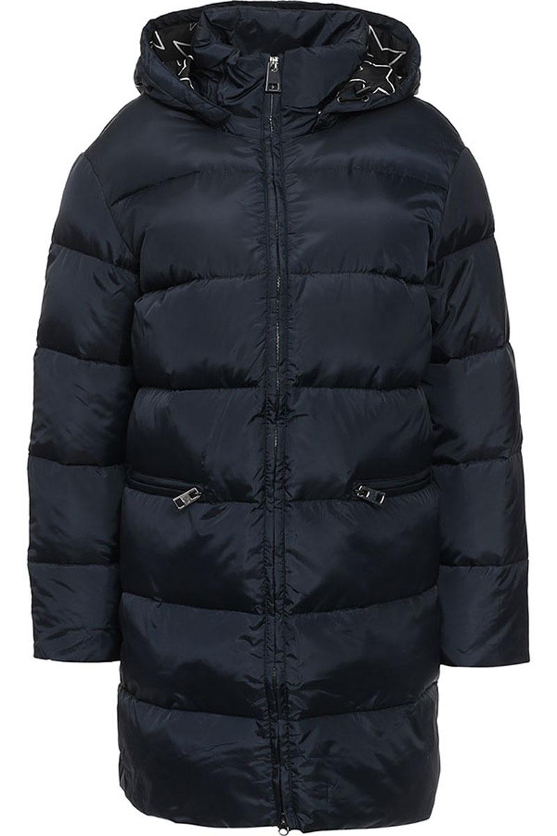 ПальтоW16-170060_101Женское пальто Finn Flare выполнено из 100% полиэстера. В качестве утеплителя используются 100% пух. Приталенная модель с съемным капюшоном и воротником- стойкой застегивается на пластиковую молнию с внутренней ветрозащитной планкой. Спереди расположены два прорезных кармана с застежками-молниями.