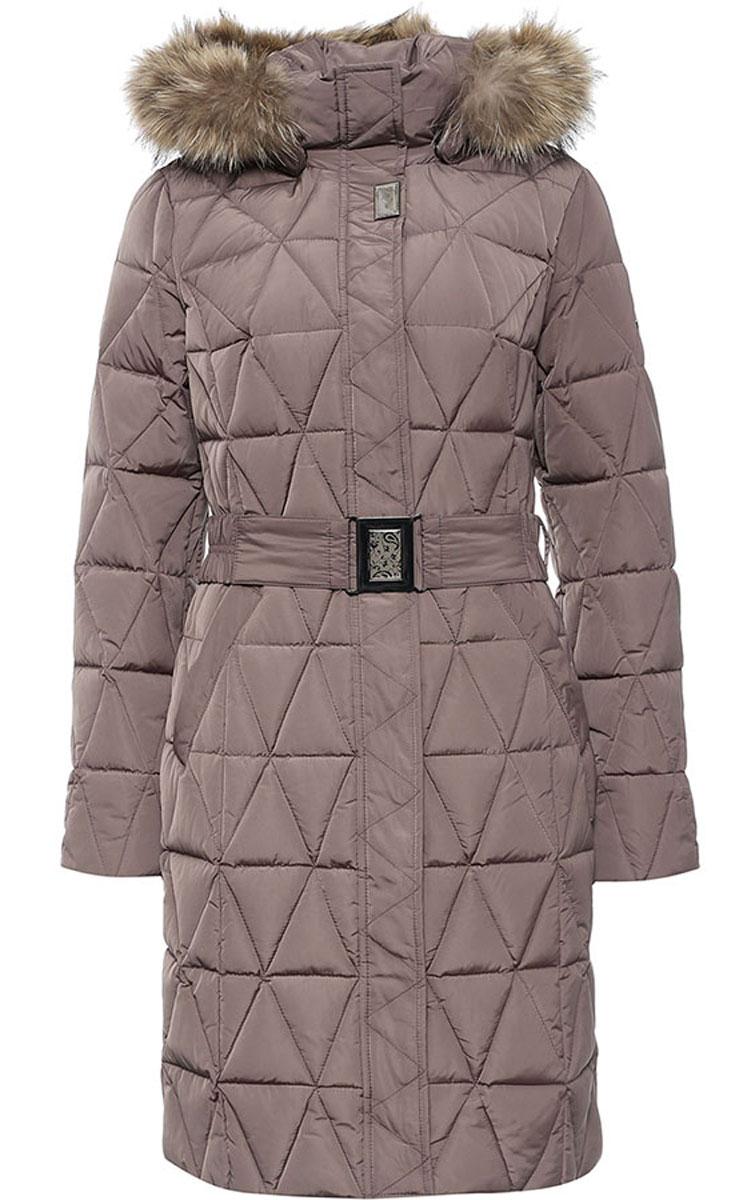W16-11015_623Стильное женское пальто Finn Flare изготовлено из высококачественного полиэстера. В качестве утеплителя используется пух с добавлением пера. Модель с воротником-стойкой и съемным капюшоном, оформленным съемным натуральным мехом енота, застегивается на застежку-молнию и дополнительно на клапан с кнопками. Капюшон, дополненный регулирующим эластичным шнурком, пристегивается к пальто с помощью кнопок. Спереди расположены два прорезных кармана на кнопках. Манжеты рукавов дополнены трикотажными напульсниками. На талии модель дополнена эластичным поясом с металлической пряжкой.