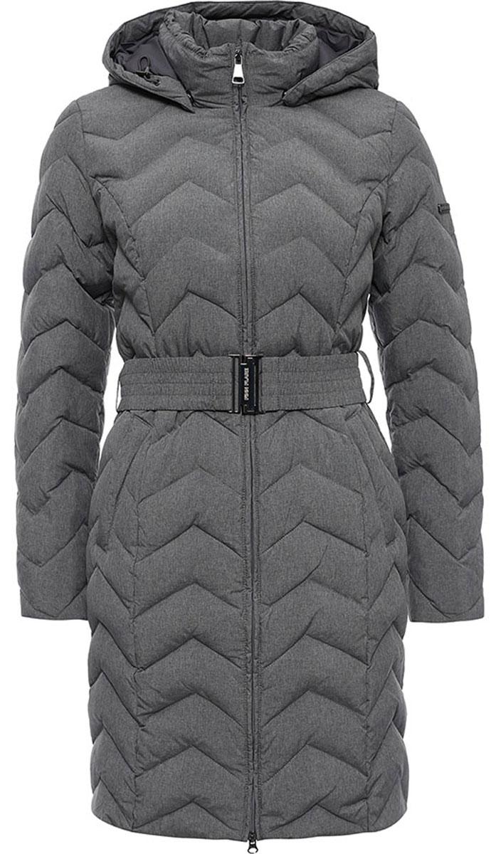 ПальтоW16-12010_202Стильное женское пальто Finn Flare изготовлено из высококачественного полиэстера. В качестве утеплителя используется пух с добавлением пера. Модель с воротником-стойкой и съемным капюшоном застегивается на застежку-молнию. Капюшон, дополненный регулирующим эластичным шнурком, пристегивается к пальто с помощью кнопок. Спереди расположены два прорезных кармана на застежках-молниях. Манжеты рукавов дополнены трикотажными напульсниками. На талии модель дополнена эластичным поясом с металлической пряжкой.