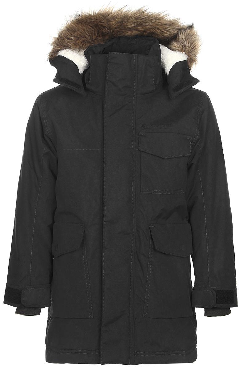 501043_039Модная куртка для мальчика Didriksons1913 Matt изготовлена из ветронепроницаемой дышащей ткани - 100% полиамида с утеплителем из 100% полиэстера. Технология Storm System обеспечивает 100% водонепроницаемость и защиту от любых погодных условий. Подкладка, выполненная из полиэстера и полиамида, на спинке дополнена мягкой меховой вставкой. Модель с воротником-стойкой и съемным капюшоном застегивается на пластиковую молнию и дополнительно на двойной ветрозащитный клапан с липучками. Капюшон с мягкой подкладкой, оформленный съемным искусственным мехом, пристегивается к куртке с помощью кнопок и липучек. Спереди изделие дополнено тремя накладными карманами, закрывающимися на клапаны с кнопками, с внутренней стороны - накладным сетчатым карманом. Под клапаном расположен прорезной карман для плеера на застежке-молнии и отверстие для наушников. Манжеты рукавов дополнены трикотажными напульсниками. Объем капюшона и ширина рукавов регулируются с помощью хлястиков с липучками. Нижняя...