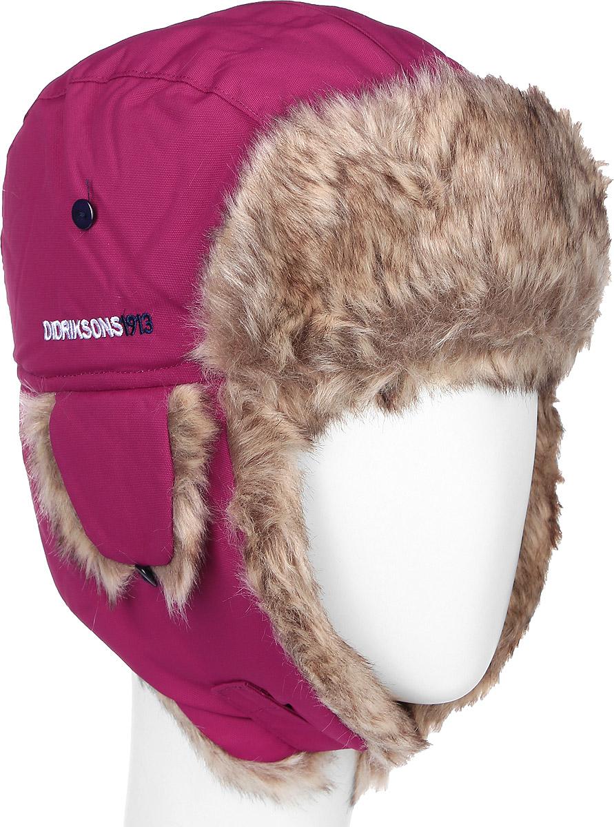 500293_039Комфортная зимняя детская шапка-ушанка Didriksons1913 Biggles идеально подойдет для прогулок в холодное время года, защищая ушки, лоб и щечки ребенка от ветра. Шапка, выполненная из непромокаемой и непродуваемой мембранной ткани с утеплителем 60 г/м2. Подкладка из искусственного меха хорошо сохраняет тепло и обладает отличной гигроскопичностью. На ушках имеется хлястик на липучке, позволяющий зафиксировать шапку под подбородком. Дополнительные ушки фиксируются на пуговицы. На затылке изделие дополнено светоотражающим элементом.