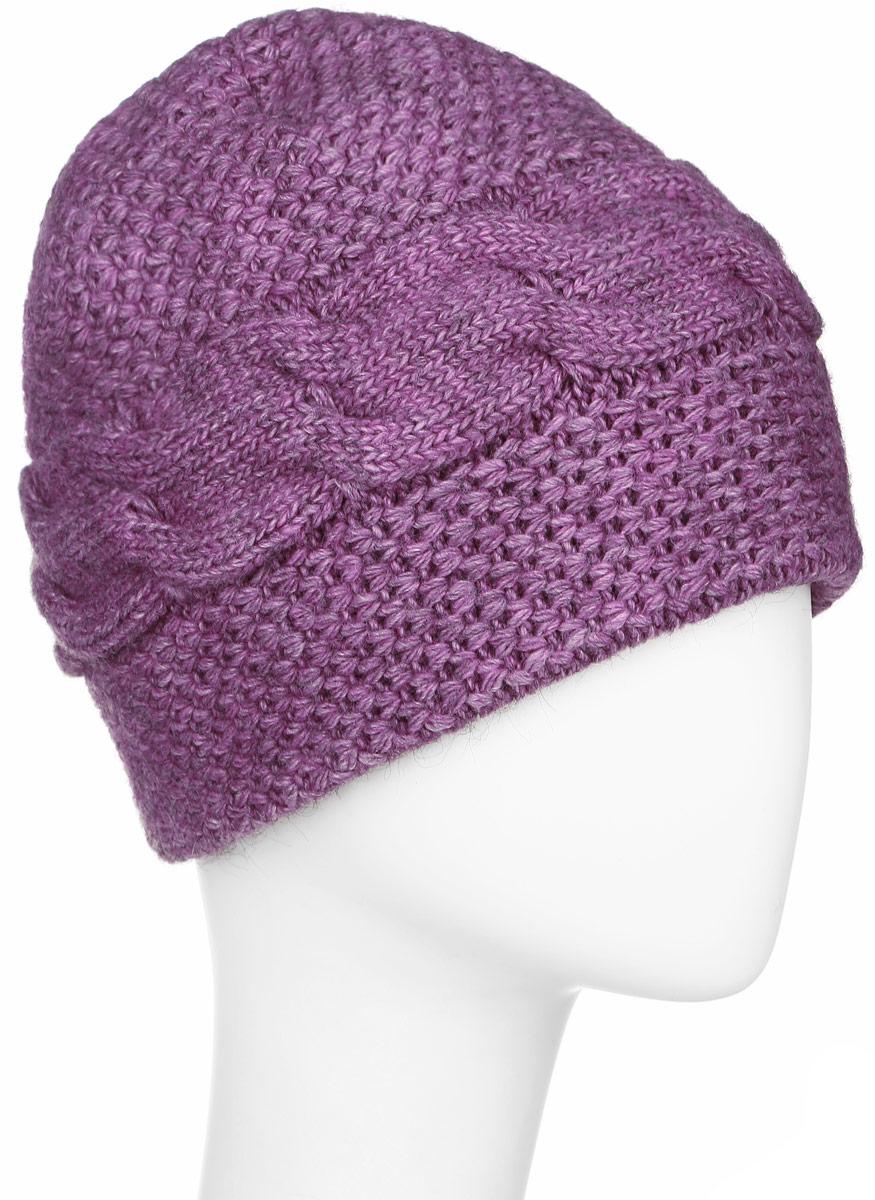 ШапкаW16-11132_711Стильная женская шапка Finn Flare дополнит ваш наряд и не позволит вам замерзнуть в холодное время года. Шапка выполнена из высококачественной пряжи, что позволяет ей великолепно сохранять тепло и обеспечивает высокую эластичность и удобство посадки. Модель оформлена брендовой металлической пластиной.