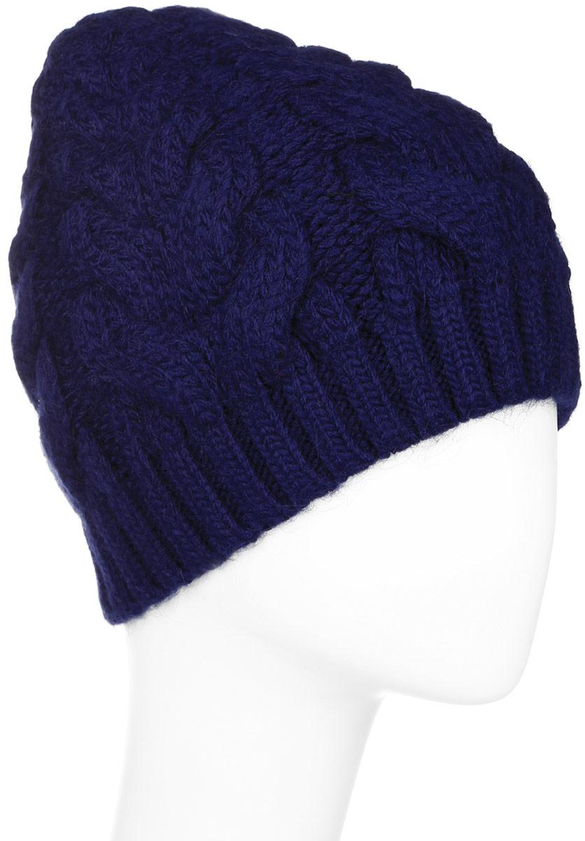 ШапкаW16-32125_623Стильная женская шапка Finn Flare дополнит ваш наряд и не позволит вам замерзнуть в холодное время года. Шапка выполнена из высококачественной пряжи, что позволяет ей великолепно сохранять тепло и обеспечивает высокую эластичность и удобство посадки. Модель оформлена металлической брендовой нашивкой.