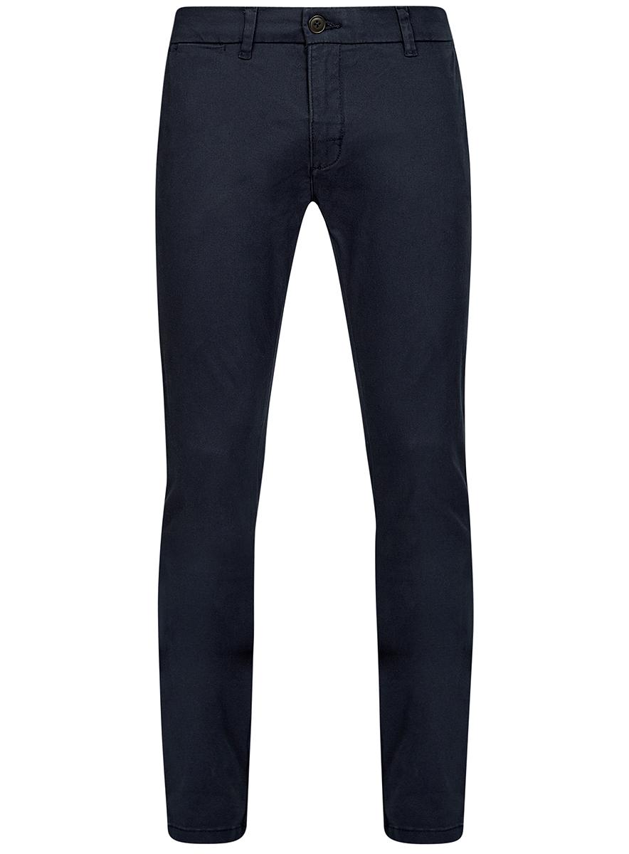 2B150021M/44468N/2500NСтильные мужские брюки oodji Basic выполнены из хлопка с добавлением полиуретана. Модель-чинос стандартной посадки застегивается на пуговицу в поясе и ширинку на застежке-молнии. Пояс имеет шлевки для ремня. Спереди брюки дополнены двумя втачными карманами и маленьким потайным прорезным кармашком, сзади - двумя прорезными карманами.