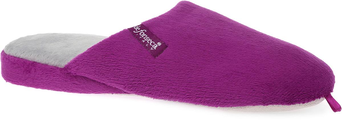 BERGAMO-W04Женские ароматизированные тапки от De Fonseca выполнены из ворсистого текстиля. Подкладка и стелька изготовлены из мягкого текстиля. Текстильная подошва оснащена противоскользящей накладкой.