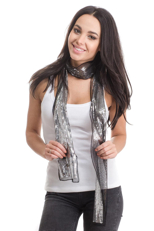 Шарф4B-1620Женский шарф Moltini изготовлен из нейлона с добавлением пластика. Тонкий легкий шарф из сетчатой ткани украшен пайетками.