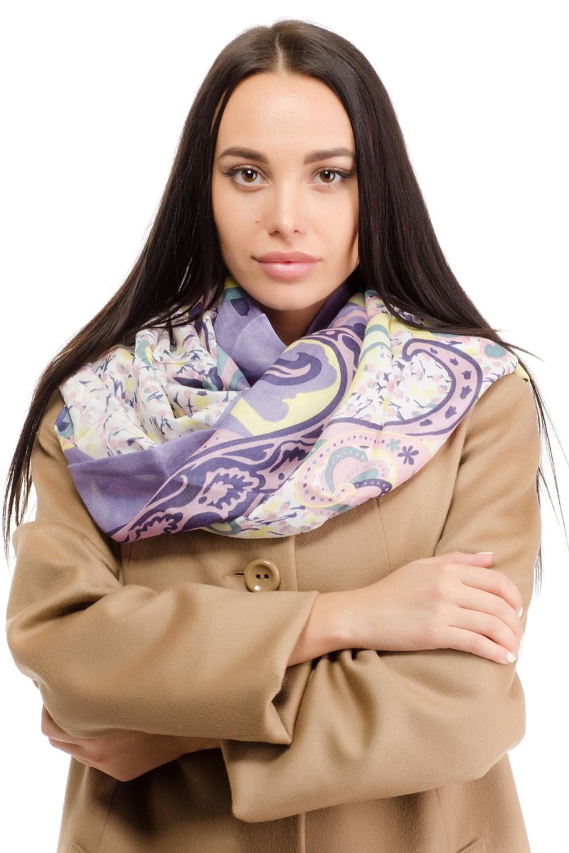 Палантин12M-1607Женский палантин Moltini изготовлен из модала с добавлением шерсти. Он оформлен принтом с изображением оригинального орнамента и дополнен тонкой бахромой по краю.