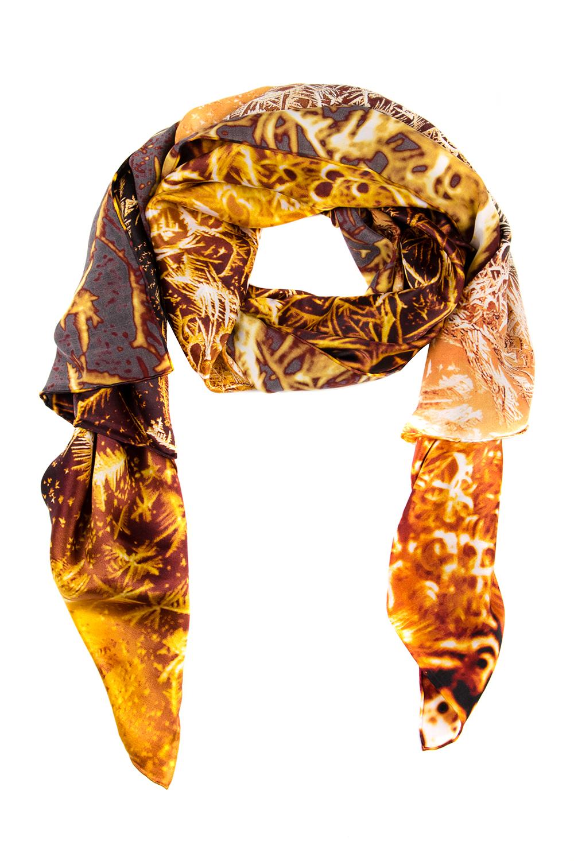 21618-1MЖенский палантин Moltini изготовлен из натурального шелка. Он оформлен красочным принтом с изображением морозных узоров. Края изделия обработаны.