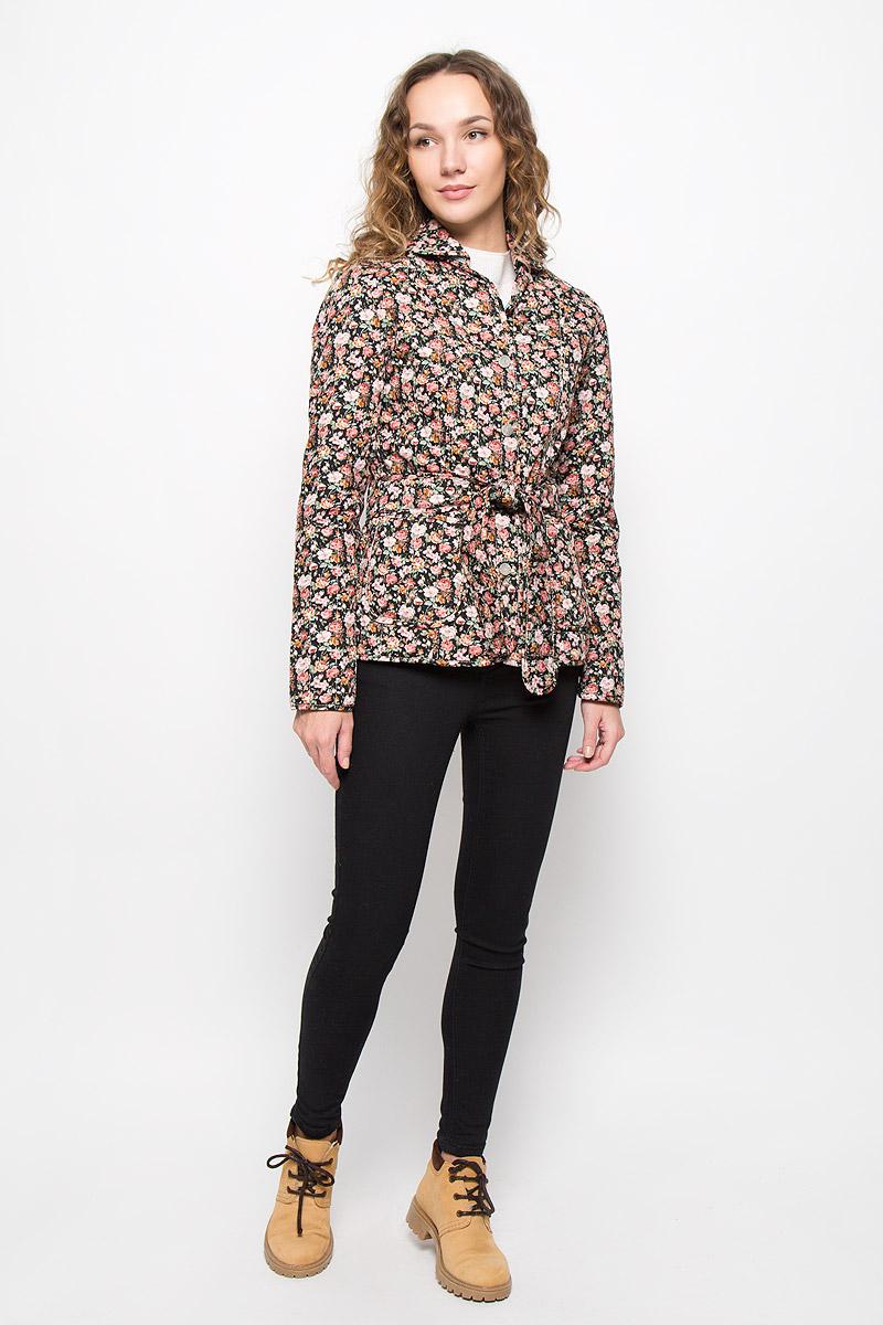 Куртка020517-0022Стильная женская куртка Holty Зипун, изготовленная из натурального хлопка, оформлена цветочным принтом. В качестве наполнителя используется полиэстер и хлопок. Куртка с отложным воротником застегивается на пуговицы. Спереди имеются два накладных кармана. Модель дополнена текстильным ремешком.