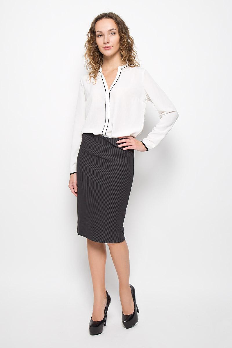 ЮбкаMX3026333_WM_SKR_010_126Стильная юбка Mexx миди-длины выполнена из эластичного полиэстера. Модель оформлена принтом в полоску, сзади имеется небольшой разрез. На талии юбка дополнена широкой резинкой.