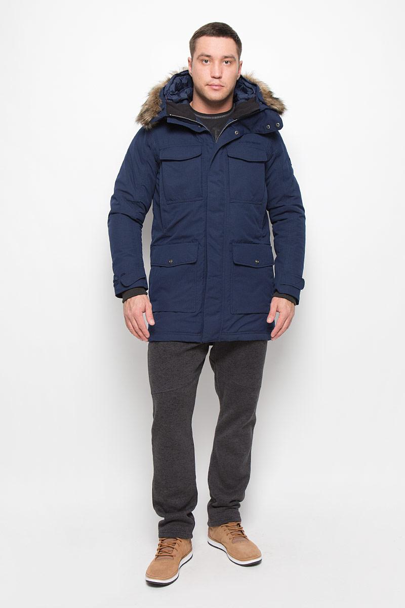 Куртка500974_039Модная мужская куртка Didriksons1913 Dana изготовлена из ветронепроницаемой дышащей ткани - высококачественного полиамида с утеплителем из 100% полиэстера. Технология Storm System обеспечивает 100% водонепроницаемость и защиту от любых погодных условий. Швы проклеены. Подкладка выполнена из полиамида. Модель с несъемным капюшоном застегивается на пластиковую молнию и дополнительно на двойной ветрозащитный клапан с кнопками. Капюшон, оформленный съемным искусственным мехом, регулируется с помощью эластичных шнурков со стопперами. Спереди изделие дополнено двумя накладными карманами, закрывающимися на клапаны с кнопками, на груди - двумя накладными карманами с клапанами на кнопках и двумя прорезными карманами с застежками-молниями, с внутренней стороны - двумя накладными карманами. Под клапанами расположены прорезной карман на застежке-молнии для плеера и отверстие для наушников. Манжеты рукавов дополнены трикотажными напульсниками с отверстиями для больших пальцев. Ширина...