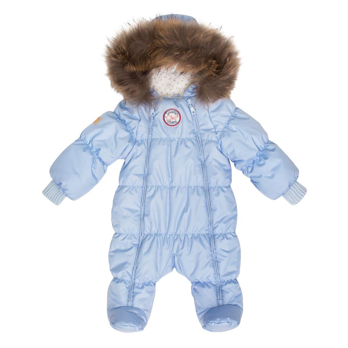 Комбинезон утепленныйВ1-2Неважно, будет ли ваш кроха спать всю прогулку или пойдёт разглядывать снег, ему будет удобно в этом тёплом и лёгком комбинезоне. Сверху - качественная курточная ткань с влагостойкой пропиткой, внутри - наполнитель Isosoft и трикотажная подкладка с воздухопроницаемыми и водоотводными свойствами. Удобная двойная молния позволяет легко одеть и раздеть ребёнка или просто поменять подгузник и продолжить прогулку при температуре до -30°. Ручки младенца можно легко спрятать в отворачивающуюся варежку. Капюшон оторочен натуральным мехом енота.