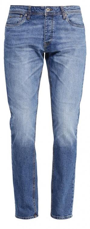 12110050_Blue DenimМужские джинсы Jack & Jones выполнены из высококачественного эластичного хлопка. Джинсы-слим стандартной посадки застегиваются на пуговицу в поясе и ширинку на пуговицах, дополнены шлевками для ремня. Джинсы имеют классический пятикарманный крой: спереди модель дополнена двумя втачными карманами и одним маленьким накладным кармашком, а сзади - двумя накладными карманами. Джинсы украшены декоративными потертостями.