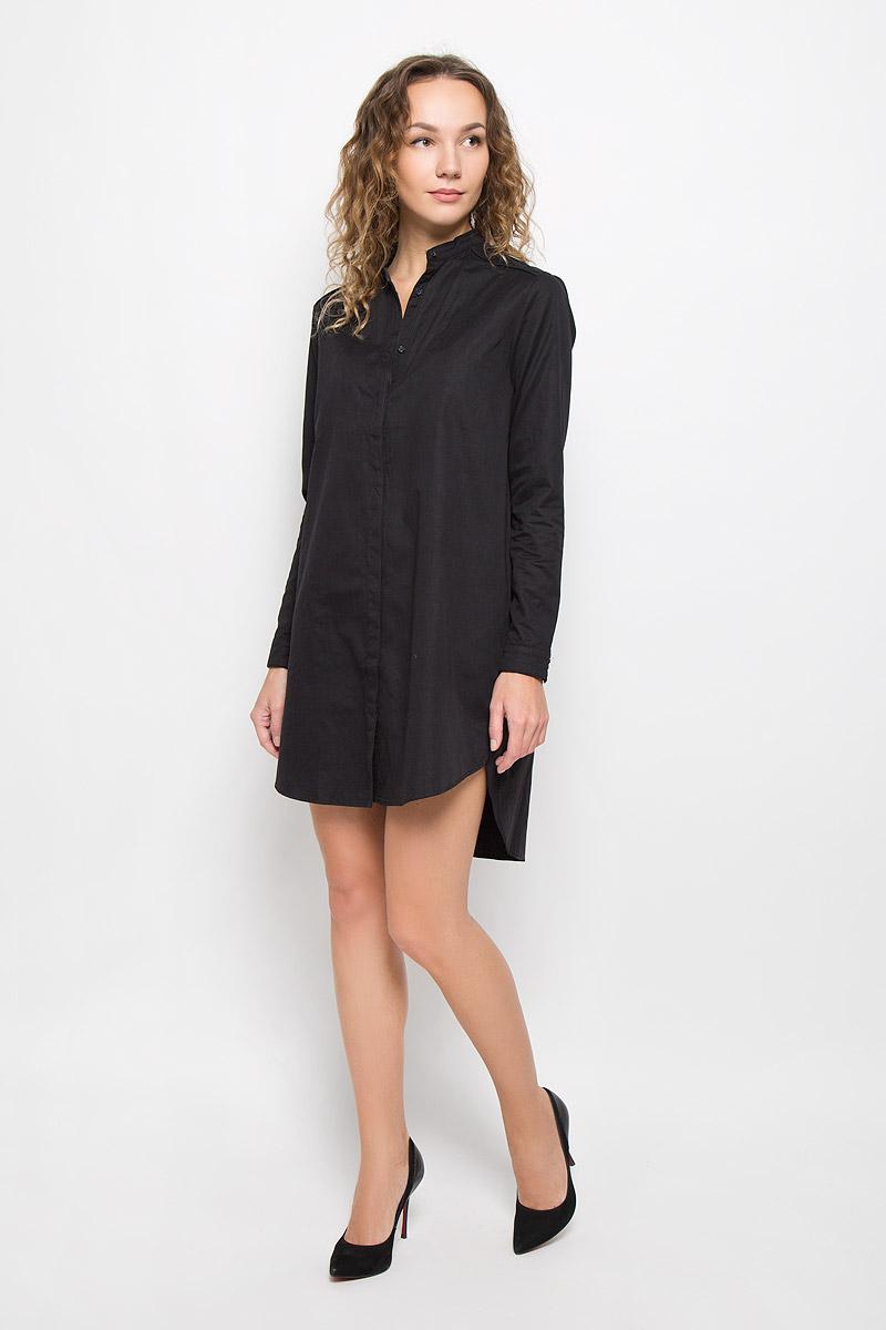 DOUCE-5057/BLACKСтильное платье выполнено из высококачественного нейлона. Платье-мини с круглым вырезом горловины и длинными рукавами по всей длине застегивается на пуговицы. По бокам модель дополнена декоративными небольшими разрезами, спинка удлинена. Манжеты рукавов дополнены застежками-пуговицами.
