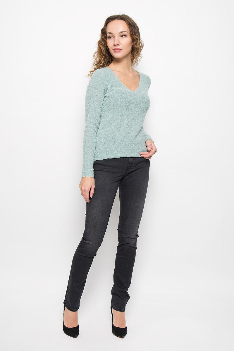 Пуловер522160241/403Модный женский пуловер Marc OPolo выполнен из натуральной шерсти с добавлением полиамида. Модель с V-образным вырезом горловины идеально подойдет для создания современного образа в стиле Casual.