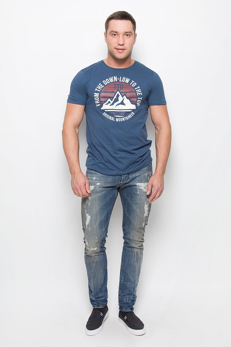Джинсы00CKRI-0856X/01Мужские джинсы Diesel выполнены из высококачественного эластичного хлопка. Джинсы-слим стандартной посадки застегиваются на пуговицу в поясе и ширинку на пуговицах, дополнены шлевками для ремня. Джинсы имеют классический пятикарманный крой: спереди модель дополнена двумя втачными карманами и одним маленьким накладным кармашком, а сзади - двумя накладными карманами. Джинсы украшены декоративными потертостями.