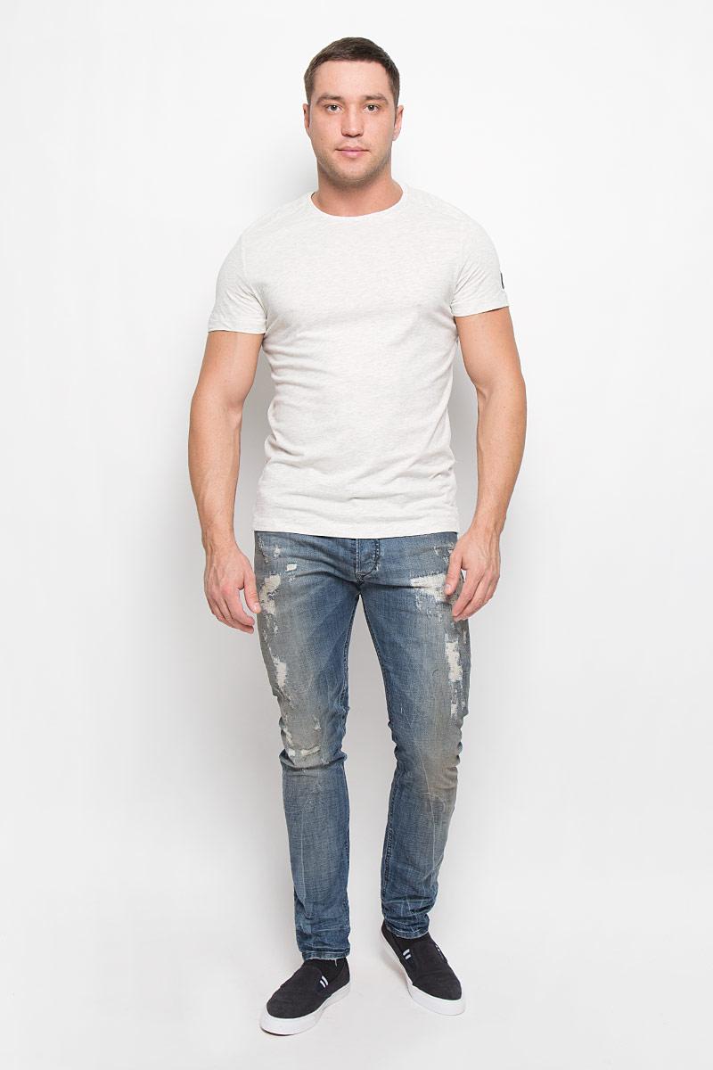 1035955.00.10_2649Мужская футболка Tom Tailor, изготовленная из натурального хлопка, очень мягкая, тактильно приятная, не сковывает движения и позволяет коже дышать. Футболка с круглым вырезом горловины и короткими рукавами выполнена в лаконичном стиле. Вырез горловины дополнен трикотажной резинкой.
