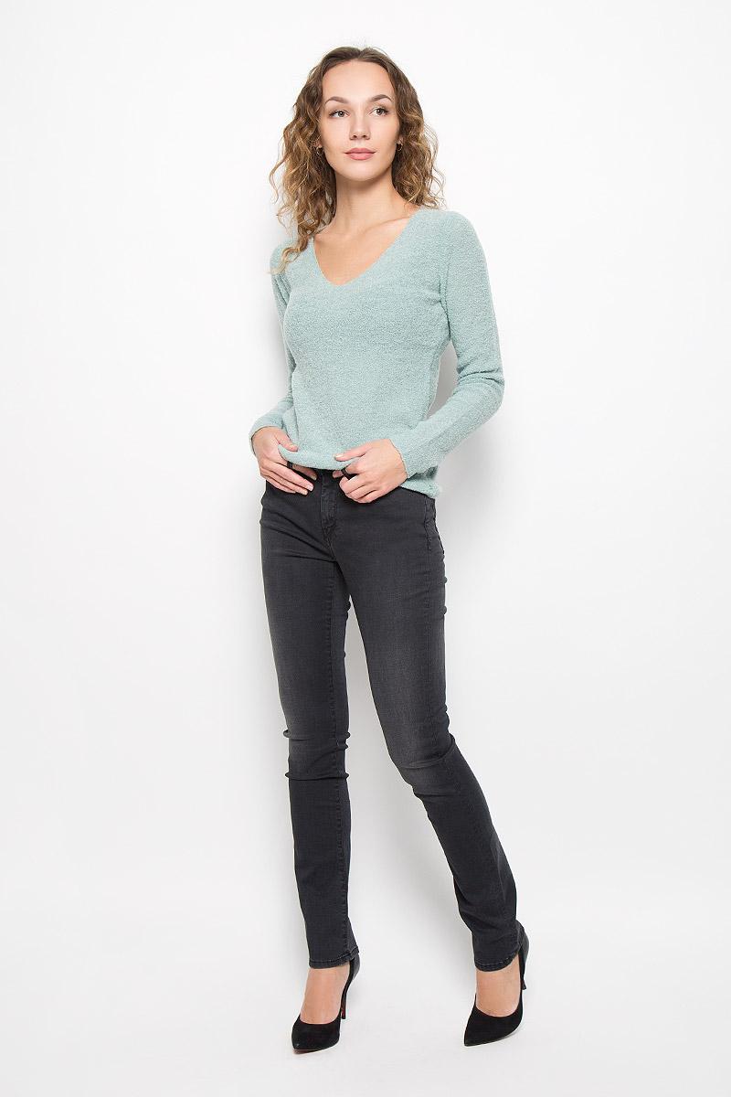 ДжинсыLC161-6830/BLACKСтильные женские джинсы Lee Cooper выполнены из хлопка с добавлением модала, полиэстера и эластана. Материал мягкий и приятный на ощупь, не сковывает движения и позволяет коже дышать. Джинсы-слим со стандартной посадкой застегиваются на пуговицу в поясе и ширинку на застежке-молнии. На поясе предусмотрены шлевки для ремня. Джинсы имеют классический пятикарманный крой: спереди модель оформлена двумя втачными карманами и одним маленьким накладным кармашком, а сзади - двумя накладными карманами. Модель оформлена эффектом потертости.