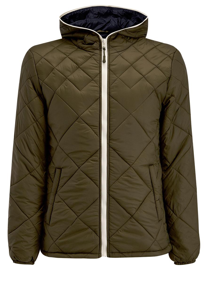 Куртка1L112013M/25855N/6600NМужская куртка oodji выполнена из полиамида. В качестве подкладки используется полиамид, а утеплителем служит 100% полиэстер. Модель с несъемным капюшоном застёгивается на застежку-молнию.Низ рукавов присобран на резинку. В боковых швах обработаны небольшие разрезы на кнопках. Спереди расположено два прорезных кармана на кнопках, а с внутренней стороны - прорезной карман на кнопке.