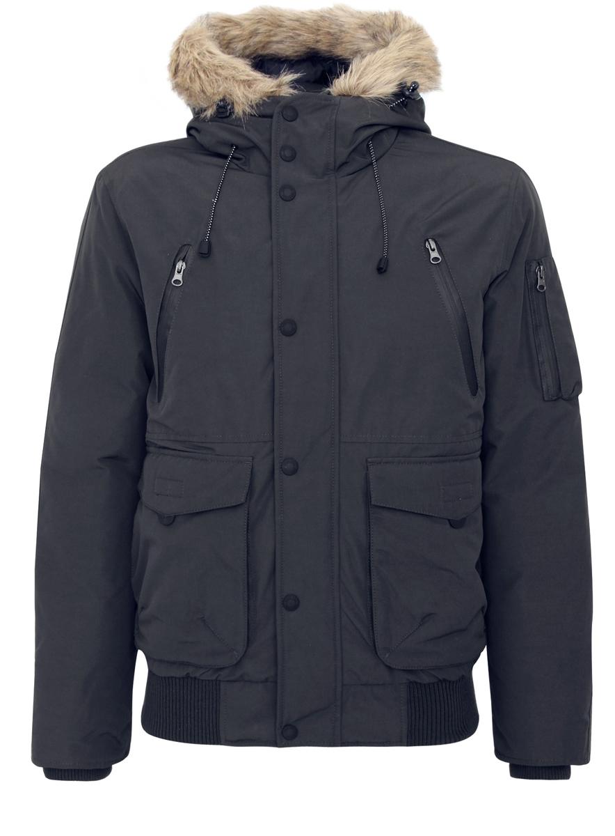 Куртка1L112008M/39881N/2900NМужская куртка oodji выполнена из полиэстера с добавлением хлопка. В качестве утеплителя и наполнителя используется 100% полиэстер. Модель с несъемным капюшоном застегивается на застежку-молнию с защитой для подбородка и имеет ветрозащитную планку на кнопках. Край капюшона дополнен шнурком-кулиской со стоплерами и оформлен искусственным мехом. Рукава по низу имеют внутренние эластичные манжеты. Низ изделия дополнен вставкой из эластичного материала. Спереди расположено два накладных кармана с клапанами на липучках, два втачных кармана на застежках-молниях и два открытых, боковых кармана. С внутренней стороны расположен втачной карман на застежке-молнии. На левом рукаве находится три накладных кармана, один из которых на застежке-молнии, а два - без застежек.