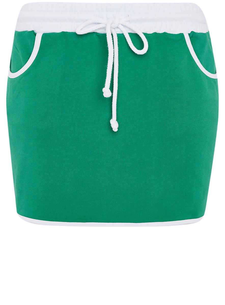 Юбка16801025-2B/46155/2300MСпортивная юбка мини-длины выполнена из натурального хлопка. Модель на талии имеет широкую эластичную резинку и утягивающий шнурок, а также она дополнена двумя врезными карманами.