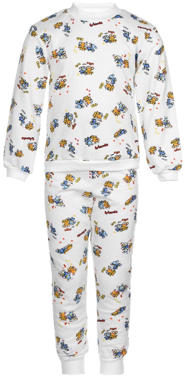 Пижама21-5872Детская пижама Фреш Стайл выполнена из натурального хлопка. Изнаночная сторона изделия с мягким и теплым начесом. Футболка с длинными рукавами имеет круглый вырез горловины, оформленный трикотажной резинкой. На рукавах предусмотрены мягкие манжеты. Низ изделия дополнен широкой трикотажной резинкой. Брюки имеют эластичный пояс. Брючины дополнены манжетами. Пижама оформлена принтом.
