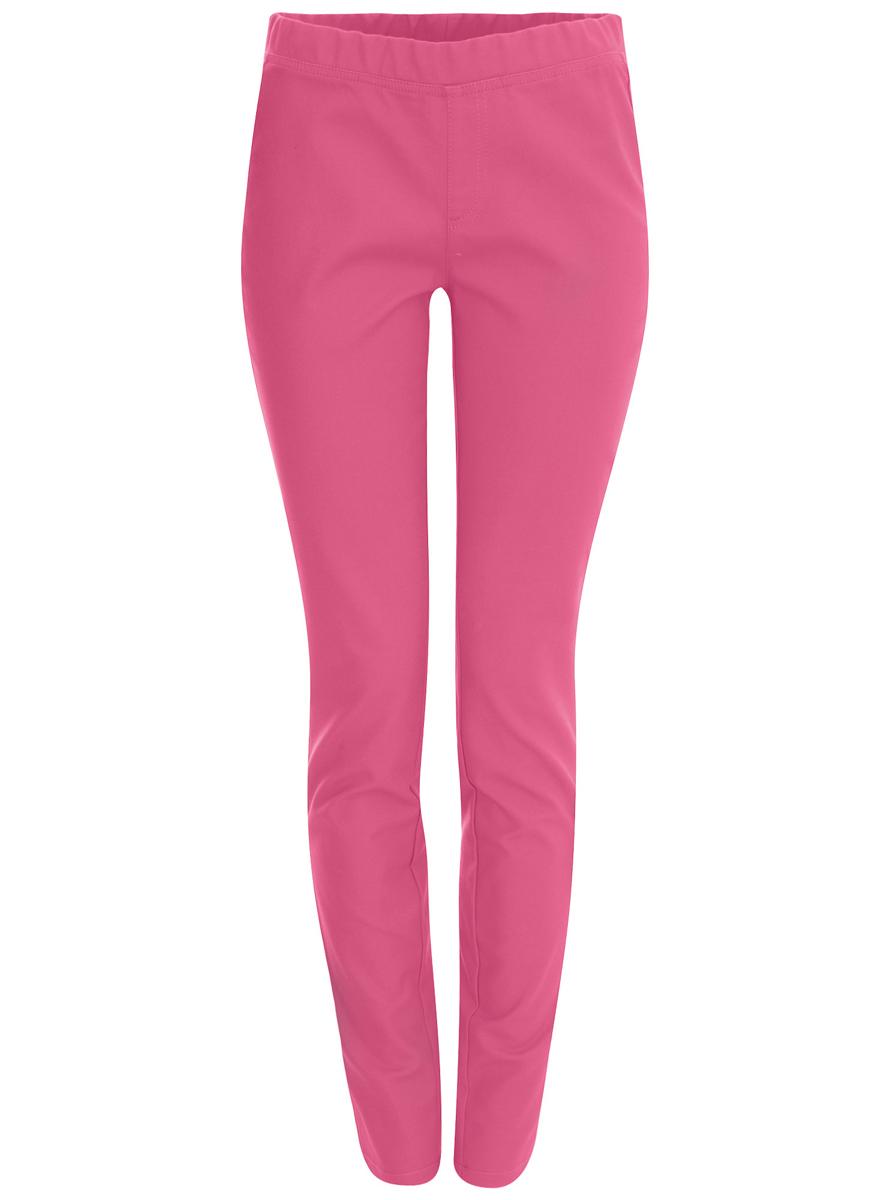 11707102/35639/4D00NСтильные женские брюки oodji Ultra выполнены из хлопка с небольшим добавлением эластана. Модель со средней посадкой дополнена в поясе эластичной резинкой. Брюки оформлены спереди имитацией ширинки, а сзади двумя накладными карманами.