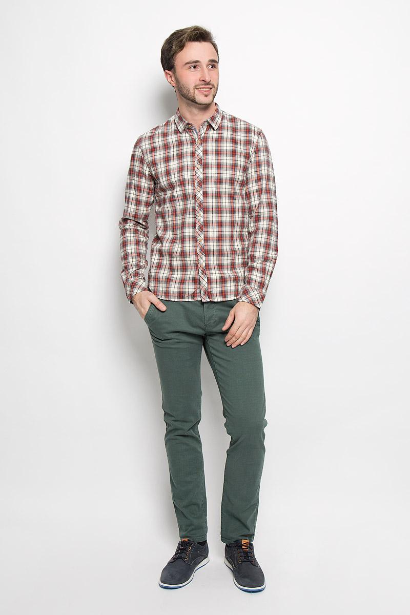 Рубашка2032524.62.12_2999Мужская рубашка Tom Tailor Denim выполнена из натурального хлопка. Модель приталенного кроя с длинными рукавами и отложным воротником застегивается на пуговицы по всей длине. Рубашка оформлена оригинальным принтом. Манжеты рукавов оснащены застежками-пуговицами.
