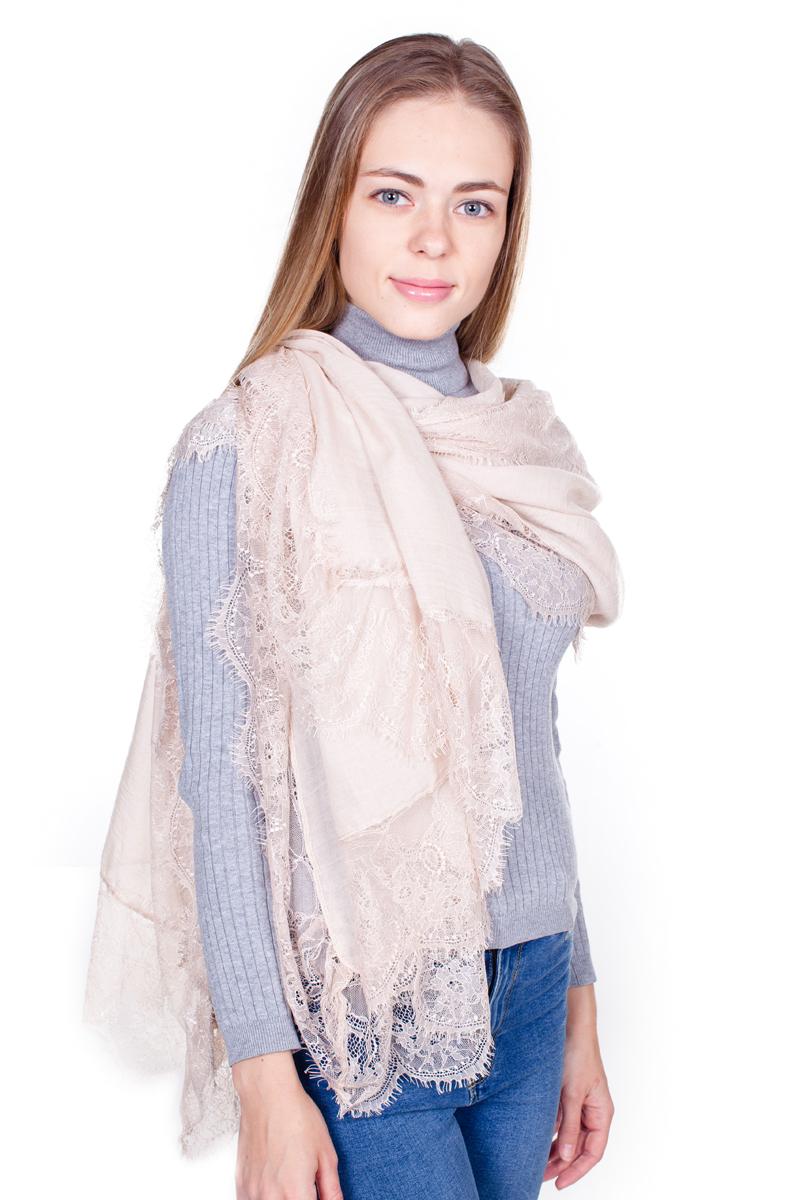 ПалантинYY-21680-15Стильный женский палантин Sophie Ramage станет великолепным завершением любого наряда. Палантин изготовлен из модала с добавлением шелка, а по краям оформлен ажурной вышивкой и небольшой бахромой. Легкий и изящный палантин поможет вам создать изысканный женственный образ, а также согреет в непогоду.