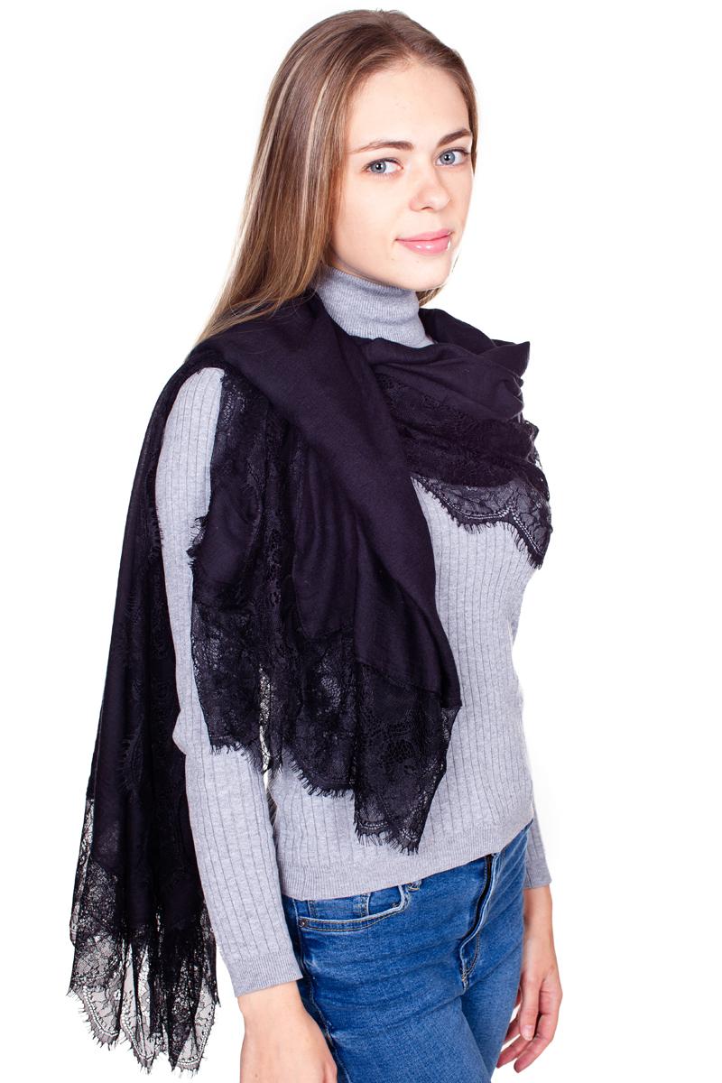 ПалантинYY-21680-19Стильный женский палантин Sophie Ramage станет великолепным завершением любого наряда. Палантин изготовлен из модала с добавлением шелка, а по краям оформлен ажурной вышивкой и небольшой бахромой. Легкий и изящный палантин поможет вам создать изысканный женственный образ, а также согреет в непогоду.