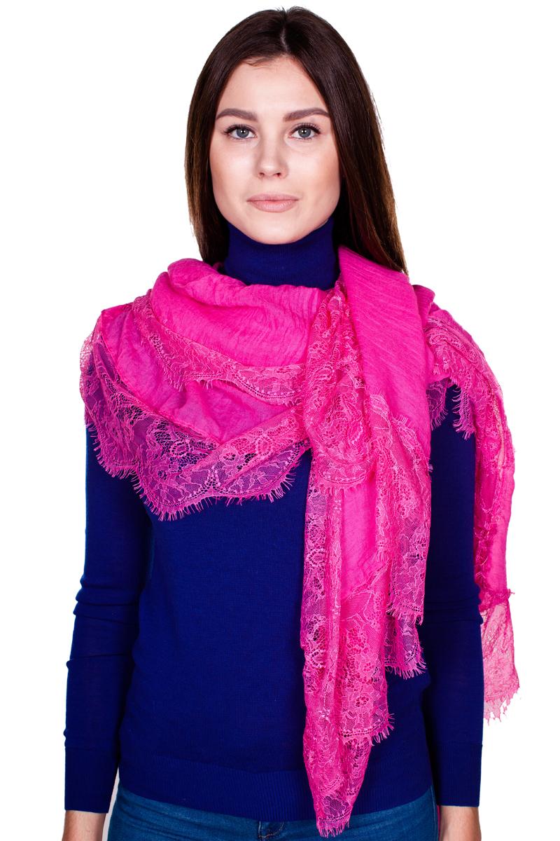 YY-21680-15Стильный женский палантин Sophie Ramage станет великолепным завершением любого наряда. Палантин изготовлен из модала с добавлением шелка, а по краям оформлен ажурной вышивкой и небольшой бахромой. Легкий и изящный палантин поможет вам создать изысканный женственный образ, а также согреет в непогоду.