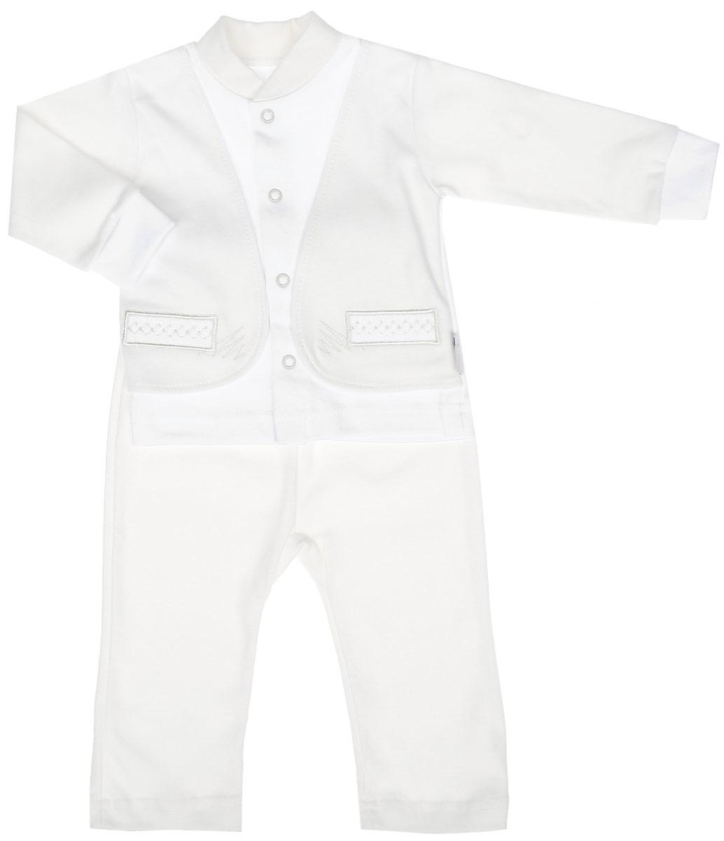 Комплект одежды37к-2005Комплект для мальчика Клякса, изготовленный из натурального хлопка, состоит из кофточки и штанишек. Кофточка с имитацией пиджака застегивается спереди на кнопки. Модель с длинными рукавами имеет круглый вырез горловины, дополненный мягкой трикотажной резинкой. На рукавах предусмотрены эластичные манжеты. Кофточка украшена вышивкой. Штанишки с завышенной линией талии имеют мягкий эластичный пояс.