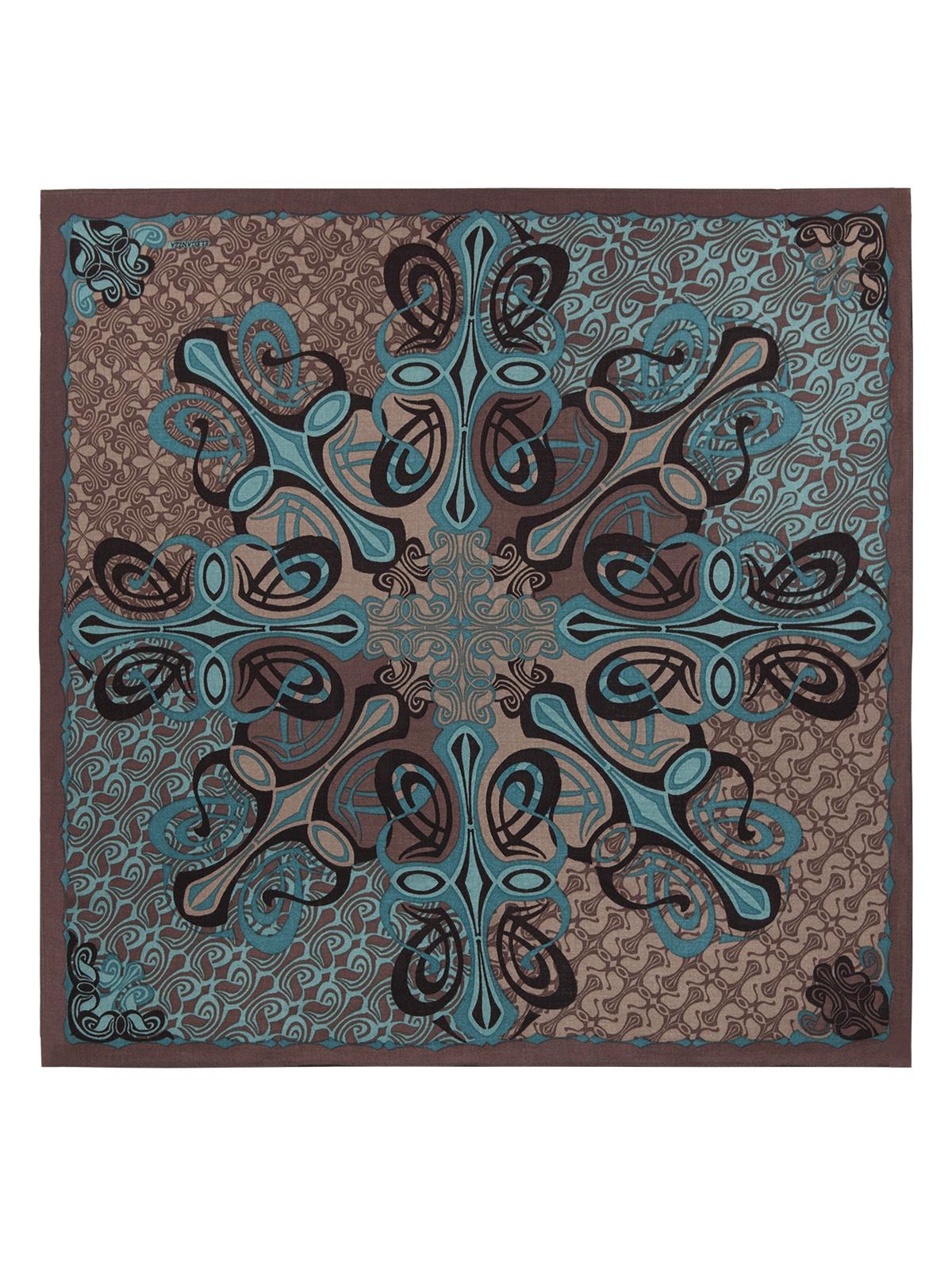 S42-0773Платок от Eleganzza изготовлен из шерсти с добавлением кашемира и оформлен ярким принтом. Края изделия декорированы бахромой.