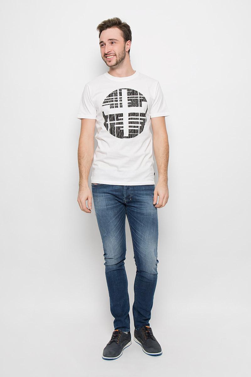 Футболка22004491_WhiteМужская футболка Only & Sons с короткими рукавами и круглым вырезом горловины выполнена из натурального хлопка. Футболка украшена крупным геометрическим принтом спереди.