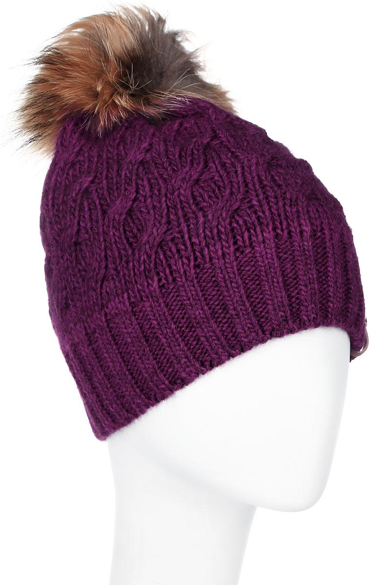 ШапкаMWH4872/2Теплая женская шапка Marhatter отлично дополнит ваш образ в холодную погоду. Сочетание шерсти и акрила максимально сохраняет тепло и обеспечивает удобную посадку, невероятную легкость и мягкость. Подкладка выполнена из мягкого флиса. Шапка двойная по низу связана резинкой, выполнена в лаконичном однотонном стиле. Спереди модель дополнена нашивкой с надписью логотипа бренда и с металлической пластиной на которой изображена снежинка. Макушка шапки дополнена пушистым помпоном из натурального меха енота. Модель составит идеальный комплект с модной верхней одеждой, в ней вам будет уютно и тепло. Уважаемые клиенты! Размер, доступный для заказа, является обхватом головы.