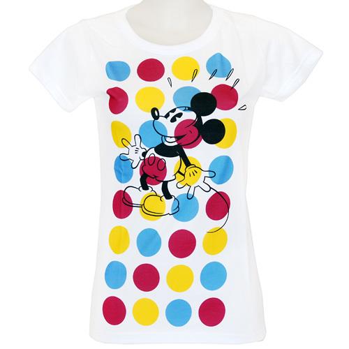 Футболка101Современная женская футболка молодежного фасона Цветные круги - это не просто футболка, это - способ самовыражения. Футболка оформлена изображением Микки Мауса на фоне цветных кругов. Молодежные тенденции в дизайне и оригинальность рисунка ярко подчеркнут индивидуальность.