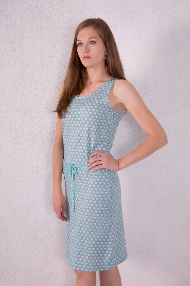Платье домашнее7117110504Платье домашнее Violett изготовлено из натурального хлопка. Модель с круглым вырезом горловины, оформлена оригинальным принтом и дополнена эластичным поясом.