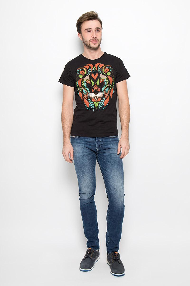 FS-001_ЛевМужская футболка Frutto Rosso Лев выполнена из натурального хлопка. Горловина дополнена трикотажной резинкой. Спереди модель оформлена оригинальным изображением льва.